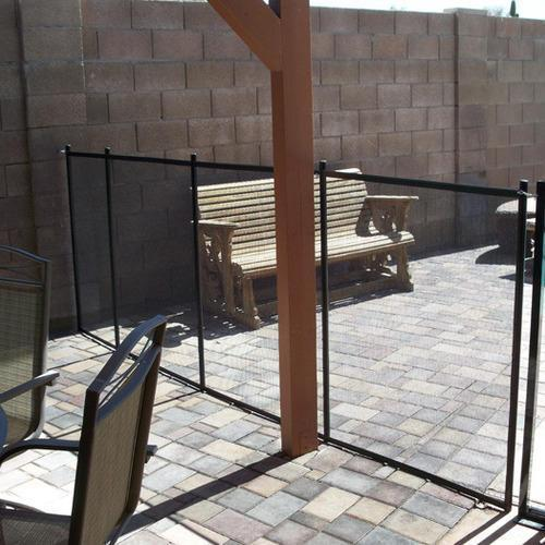 Baby-Barrier-Pool-Fence-to-Wall
