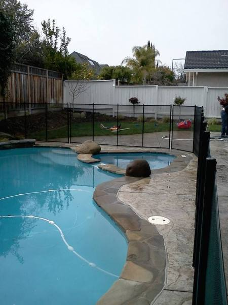 Baby-Barrier-Pool-Safety-Fence-3