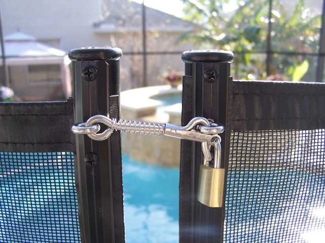 Baby-Barrier-Pool-Safety-Fence-Latch-MAGNALatch